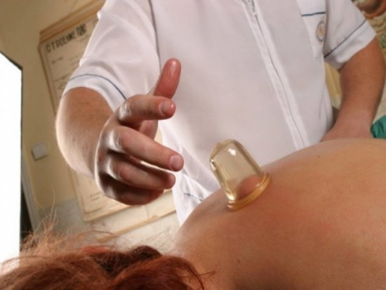 Баночный массаж спины